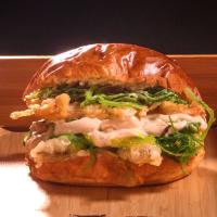 Бургер с темпурирана скарида